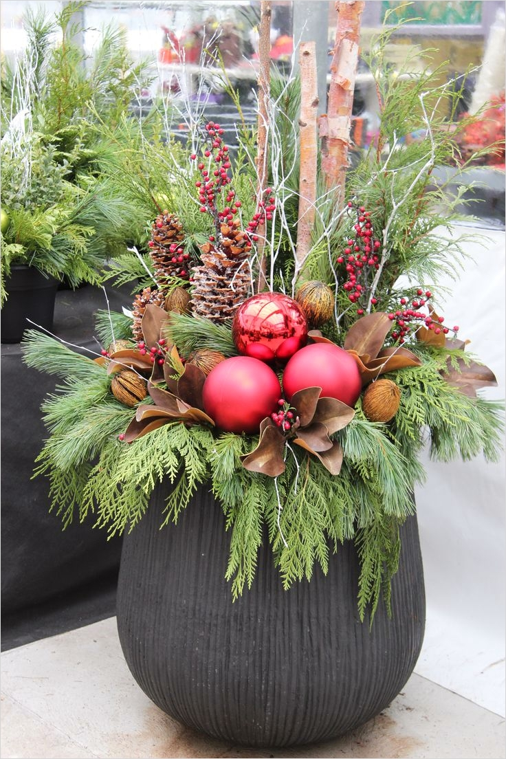 42 Beautiful Christmas Outdoor Pot Decorations Ideas 57 25 Best Ideas About Outdoor Christmas Planters On Pinterest 2