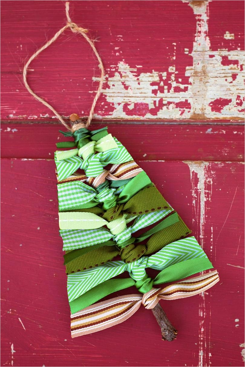 40 Diy Easy Christmas ornament Crafts Ideas 66 Easy Christmas Crafts southern Living 7