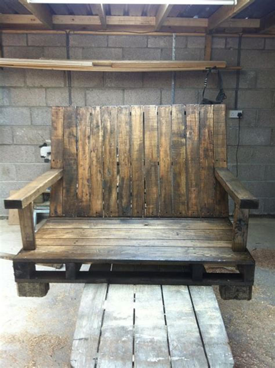 45 Perfect Rustic Porch Furniture Ideas for 2019 38
