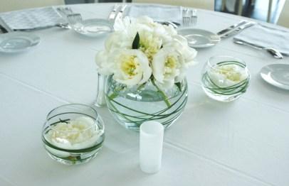 Bouquet de pivoine sur vase boule