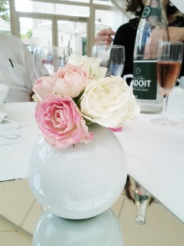 Petite composition florales de roses branchues
