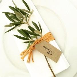 Ronds de serviette avec petite branche d'olivier