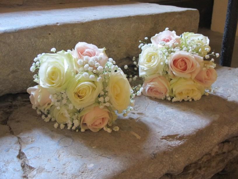 Bouquet romantique de gypsophile et roses pastel