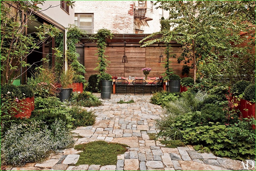 Creative Tiny Backyard Sitting areas 46 the Most Creative Ways to Set Up Outdoor Seating This Summer 8