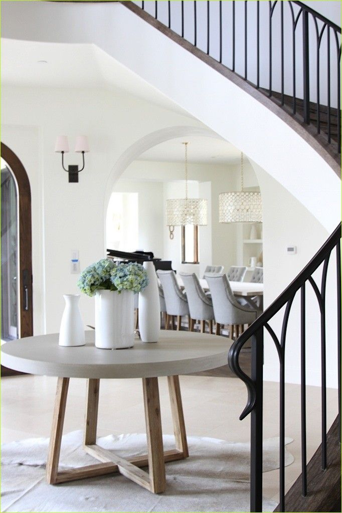 Round Foyer Entrance 83 Best 25 Round Entry Table Ideas On Pinterest 3