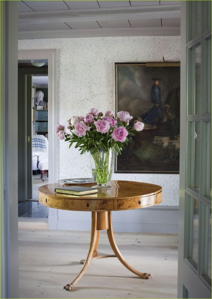 Round Foyer Entrance 19 Best 25 Round Entry Table Ideas On Pinterest 5