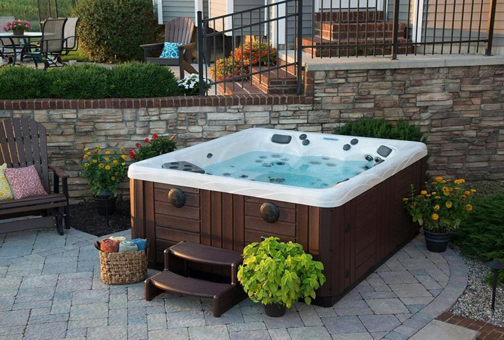 Small Backyard Ideas with Hot Tub 9