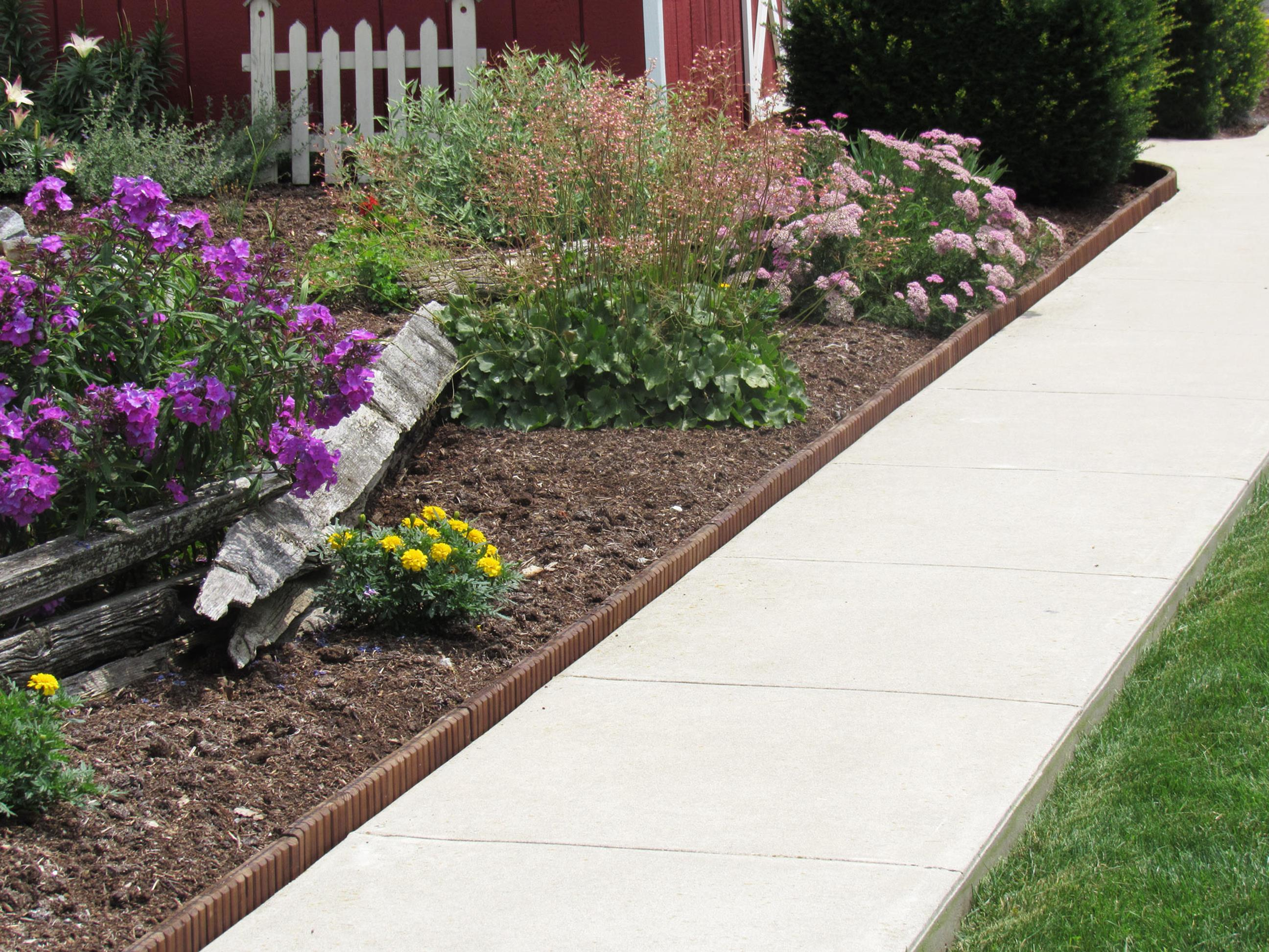 Wood Lawn Edging Ideas 14