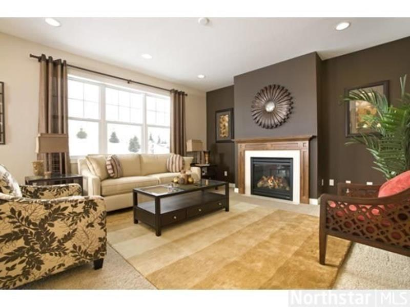 Living Room Accent Wall Color Combinations 5