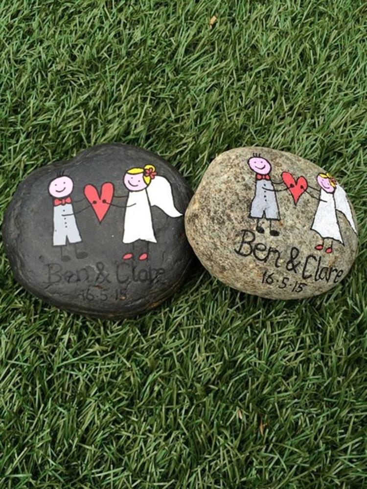Simple Painted Rock Ideas For Garden 13