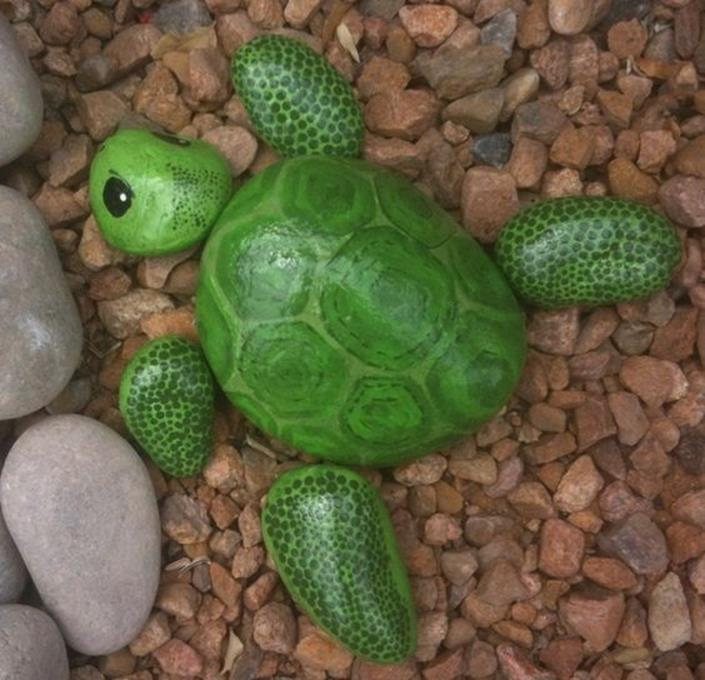 Simple Painted Rock Ideas For Garden 36