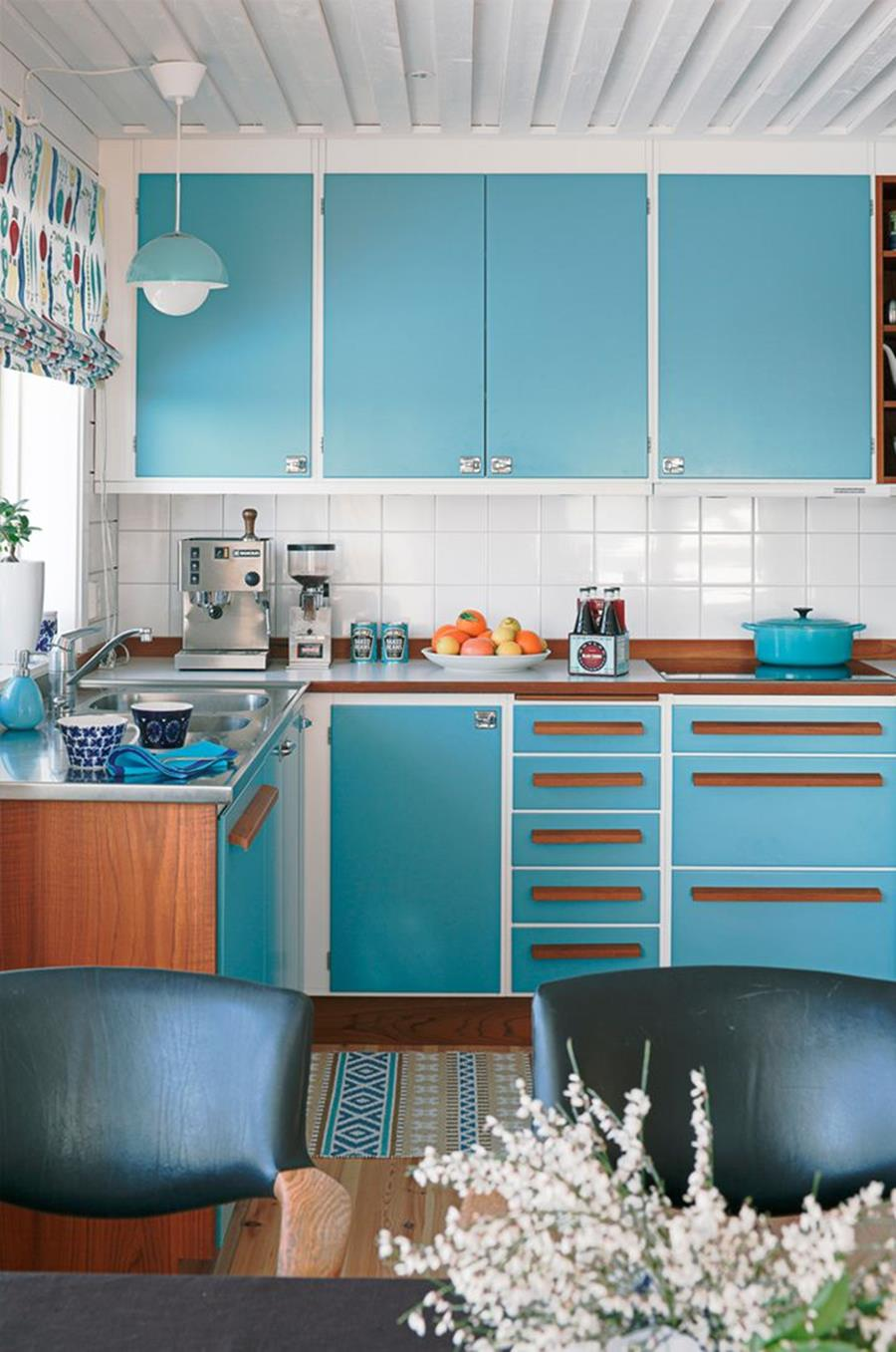 Awesome Retro Style Kitchen Design 21