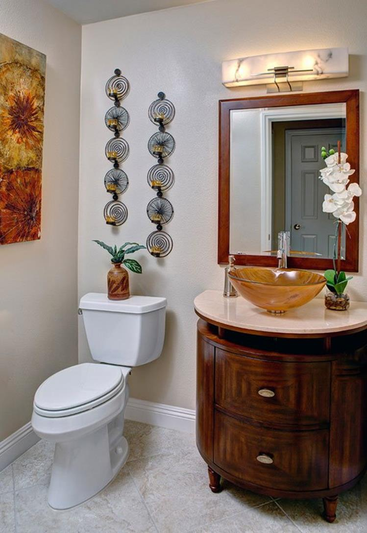 Bathroom with Holiday Wall Decor 1