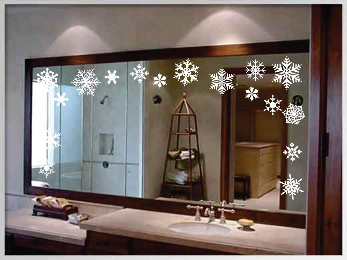 Bathroom with Holiday Wall Decor 41