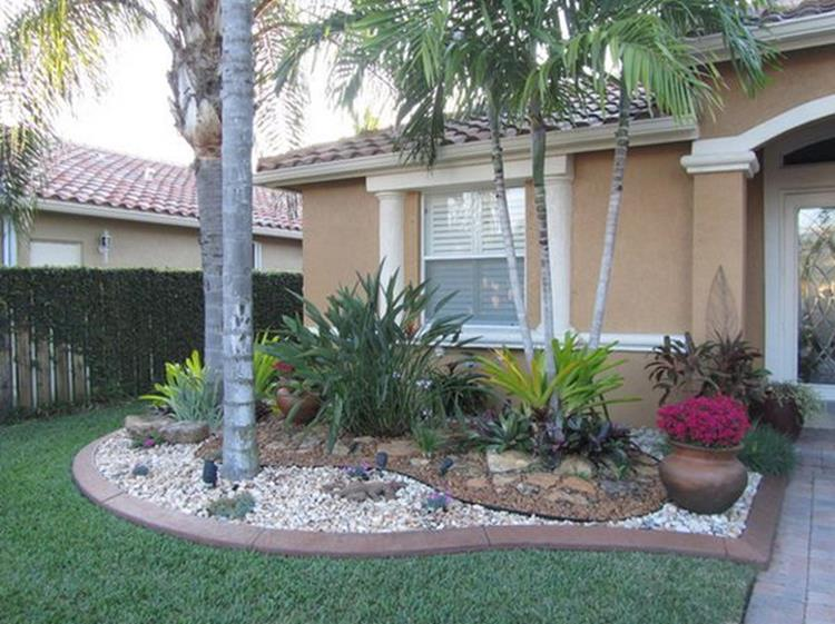 Front Yard Landscaping Ideas with White Rocks 29