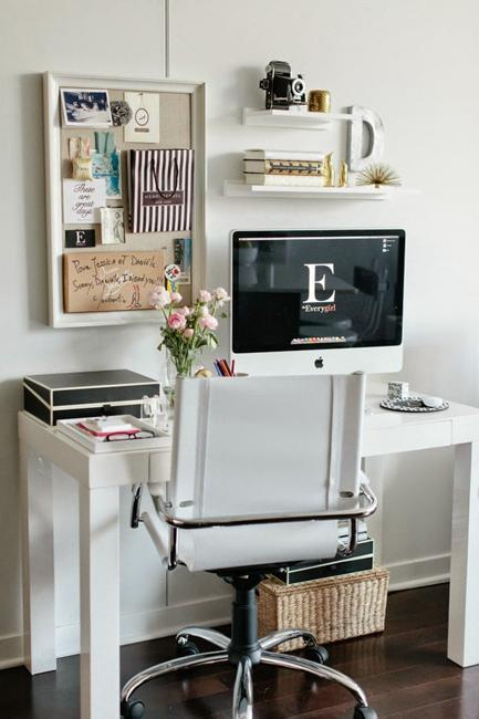Comfy Home Workspace Decorating Ideas 15