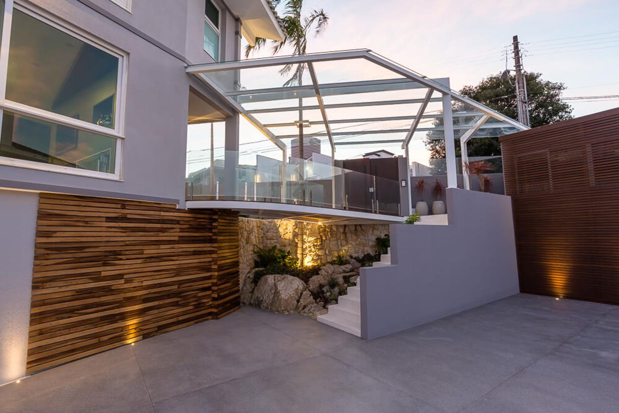 Cozy and Gorgeous Patio Roof with Pergola Glass 48