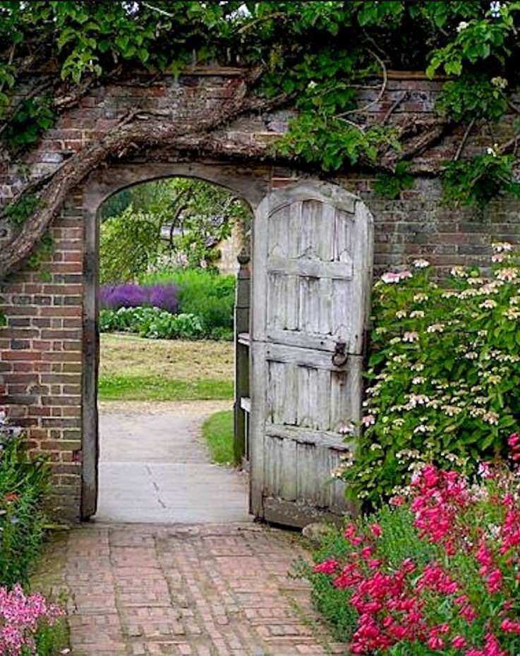 Inexpensive Secret Wood Garden Gates 13
