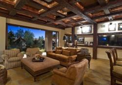 Lovely Family Room Wood Ceiling Design 16