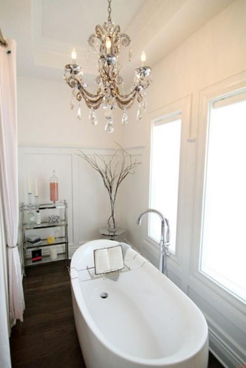 Beautiful Bathroom with Crystal Chandelier 17 2