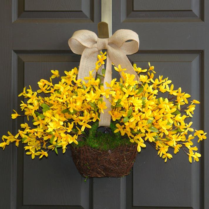 DIY Front Door Easter Decorating Ideas 12