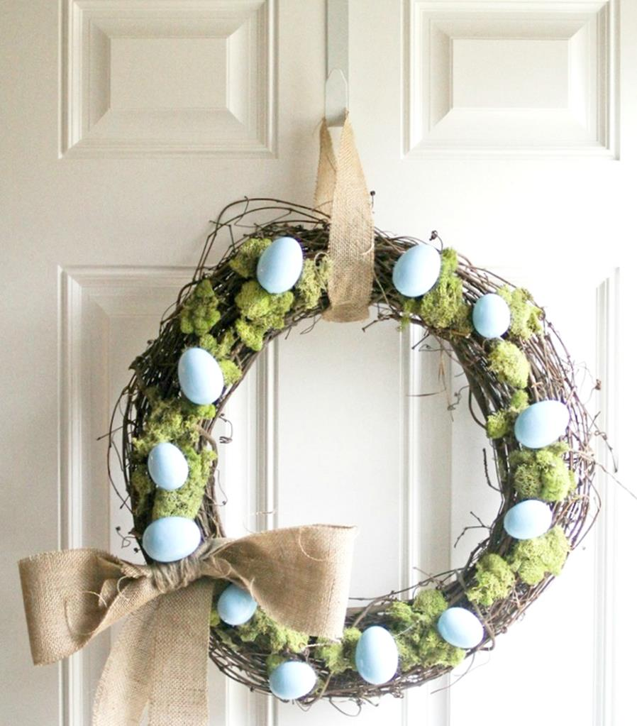 DIY Front Door Easter Decorating Ideas 23
