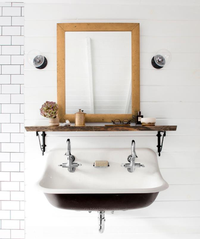 Farmhouse Style Bathroom Sink Ideas 27