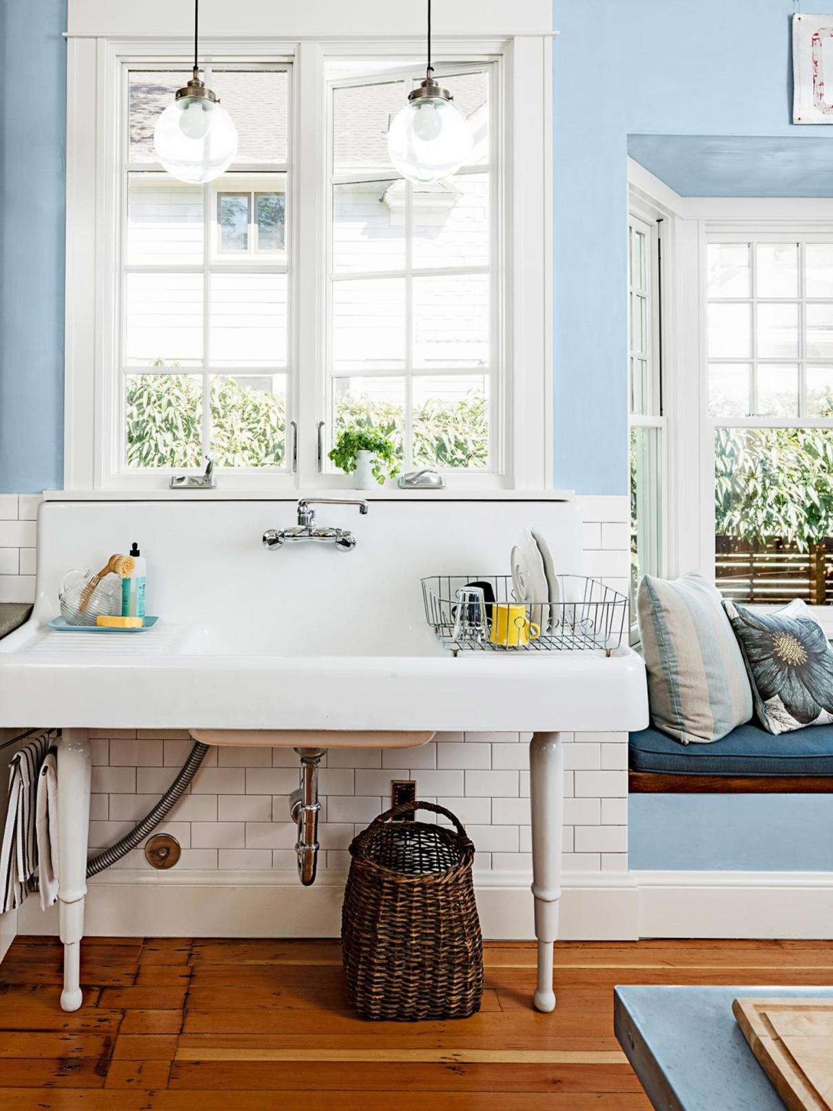 Farmhouse Style Bathroom Sink Ideas 39