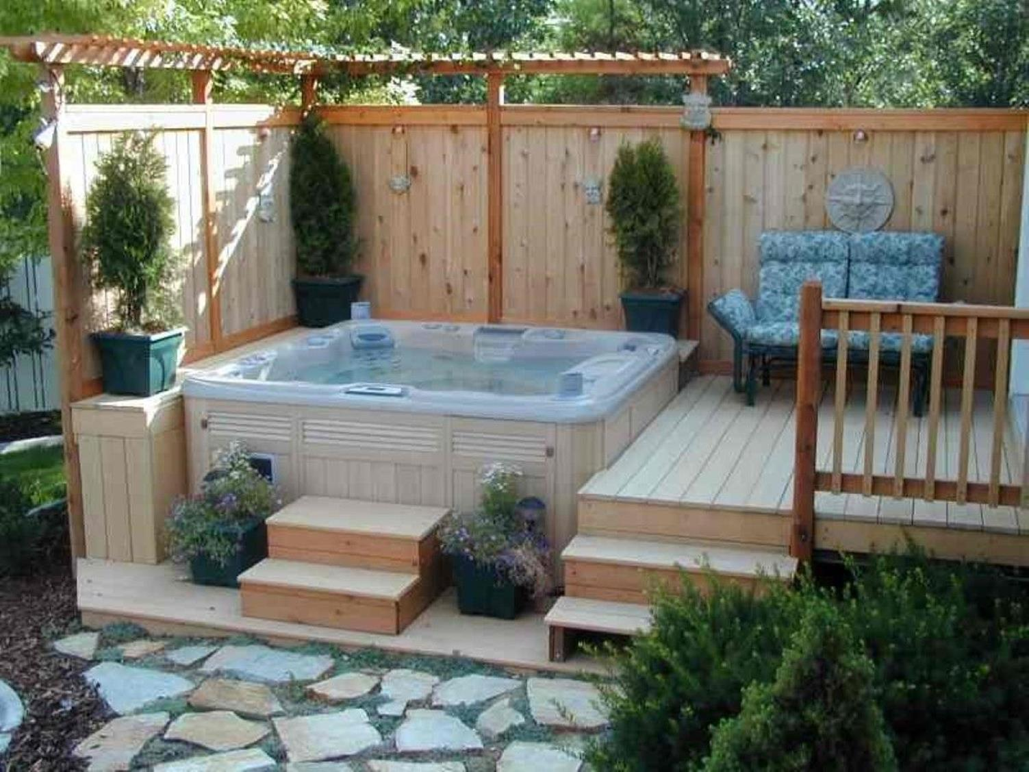 Perfect Outdoor Hot Tub Privacy Ideas 17