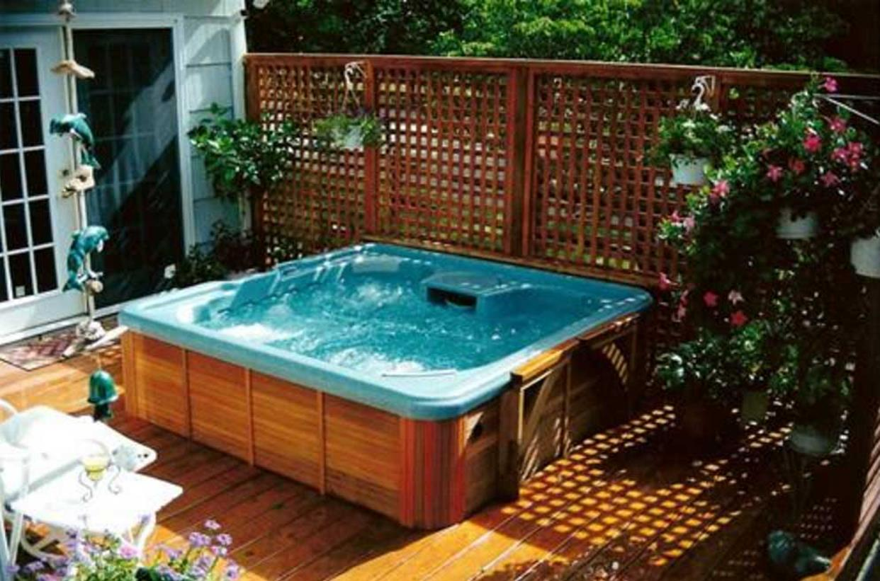 Perfect Outdoor Hot Tub Privacy Ideas 31