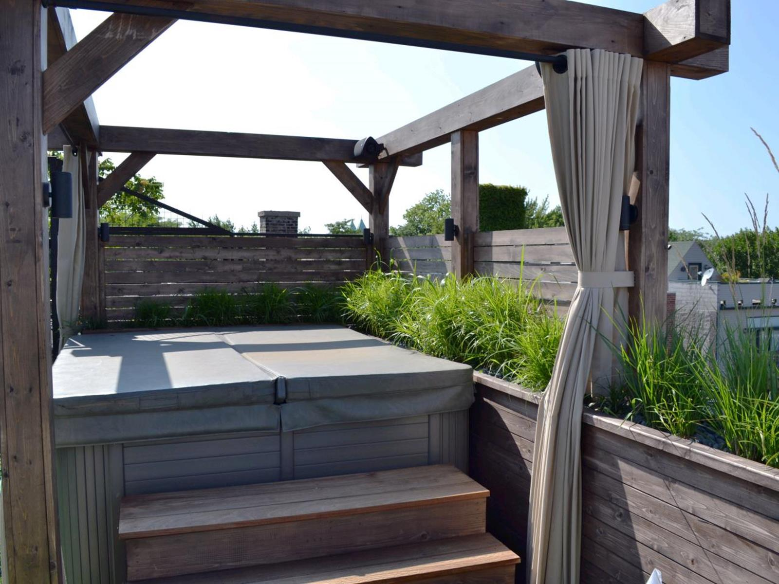Perfect Outdoor Hot Tub Privacy Ideas 34