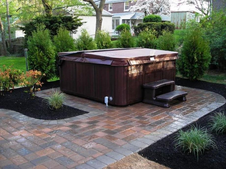Perfect Outdoor Hot Tub Privacy Ideas 7