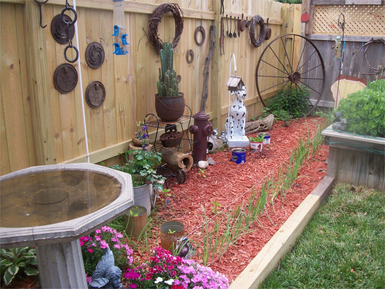 44 Amazing Rustic Garden Ideas 97 My Rustic Garden Cool Home Garden Ideas 9