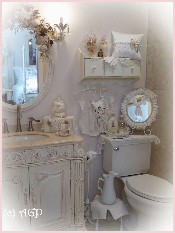43 Beautiful Shabby Chic Bathroom Decorating Ideas 58 Shabby Cottage Chic Shelf and More Bathroom Makeover Pics 9