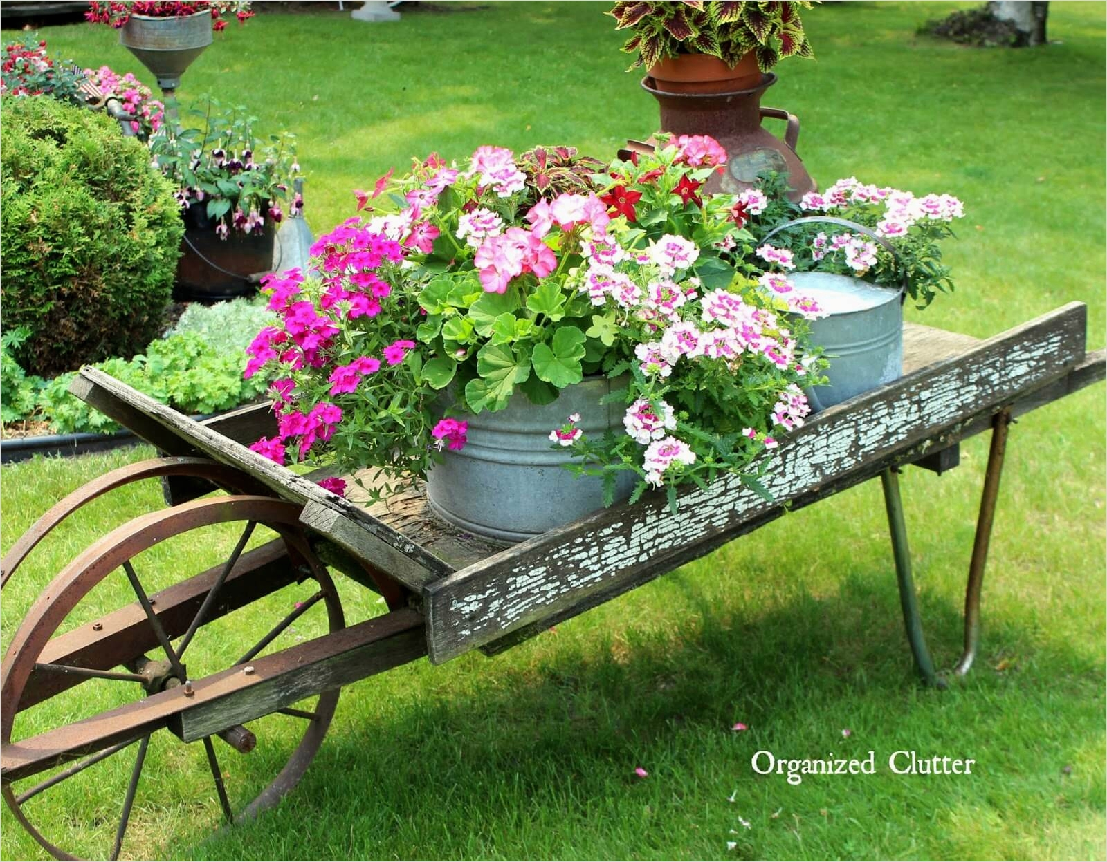 42 Beautiful Vintage Yard Decorating Ideas 61 34 Best Vintage Garden Decor Ideas and Designs for 2017 5