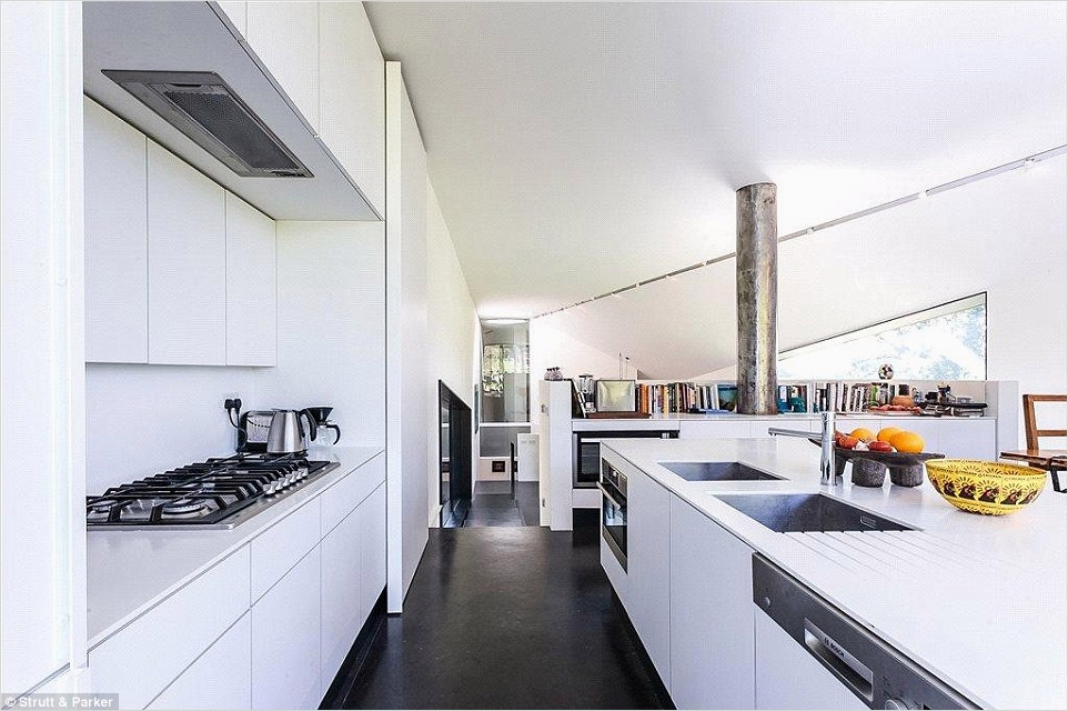43 Stunning Minimalist Farmhouse Kitchen Cabinets 55 Grand Designs Couple is Selling Farmhouse In Newbury after Success with Two Cocks Brewery 6