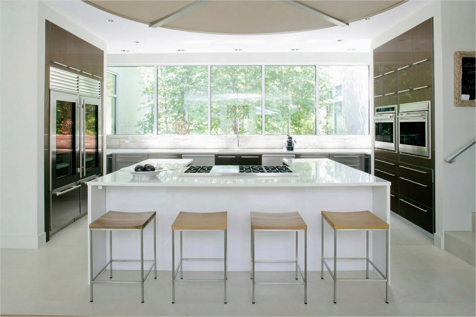 43 Stunning Minimalist Farmhouse Kitchen Cabinets 87 Cococozy See This House White On White In A Modern Hamptons Farmhouse 5