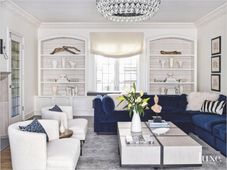 41 Amazing Navy Blue and White Living Room 41 Best 25 Blue Velvet sofa Ideas On Pinterest 4