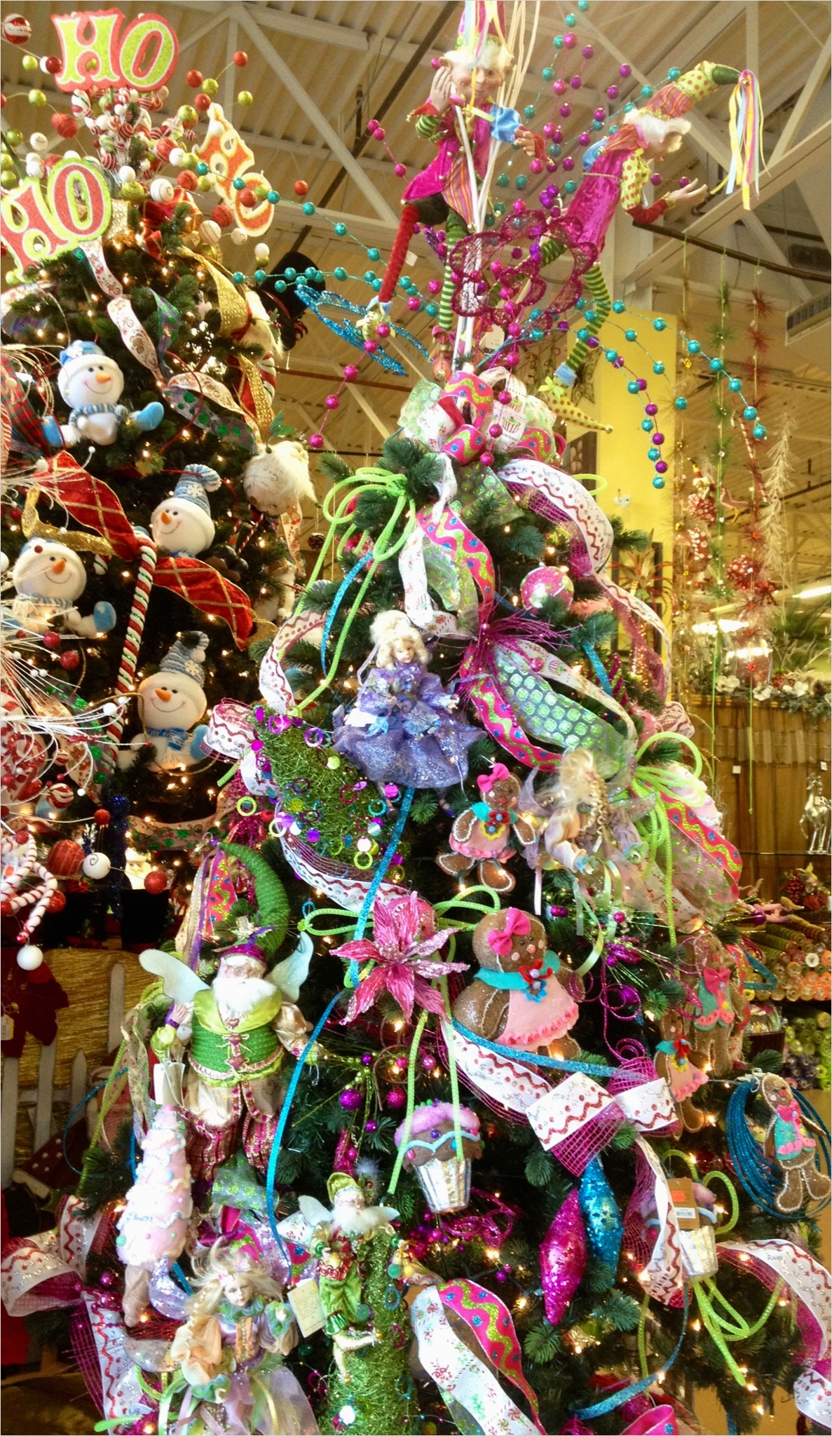 41 Awesome Whimsical Christmas Tree Decorating Ideas 31 42 Stunning Whimsical Christmas Decorations Ideas Decoration Love 7