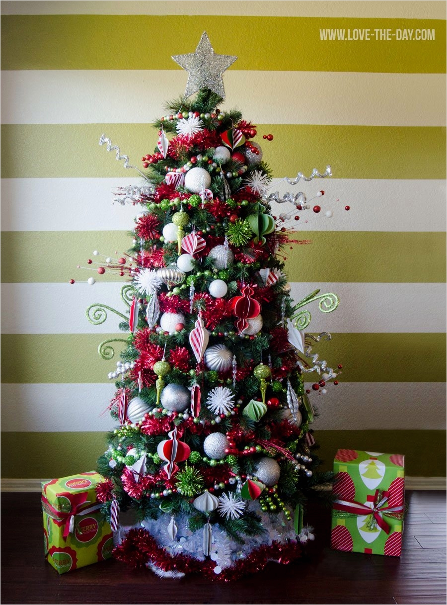 41 Awesome Whimsical Christmas Tree Decorating Ideas 89 Whimsical Christmas Tree Decorating Ideas Michaels Makers 7