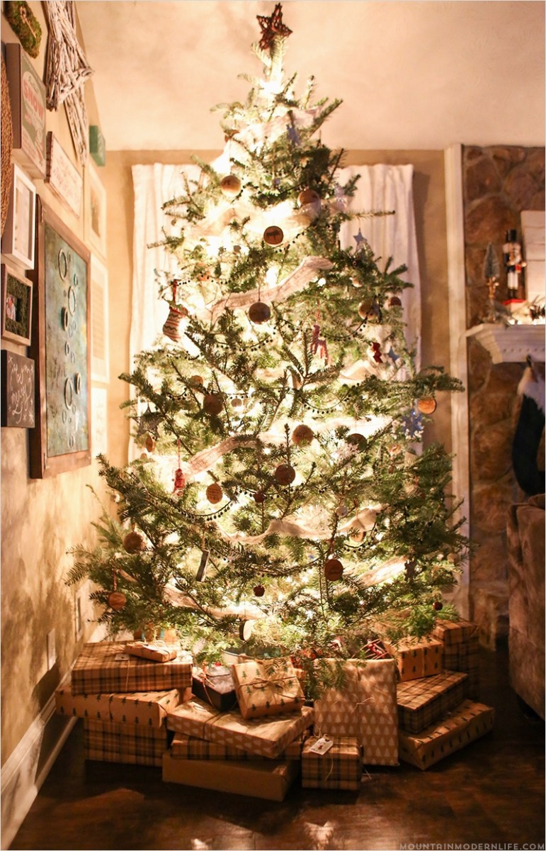 35 Stunning Rustic Christmas Tree Decorations Ideas 39