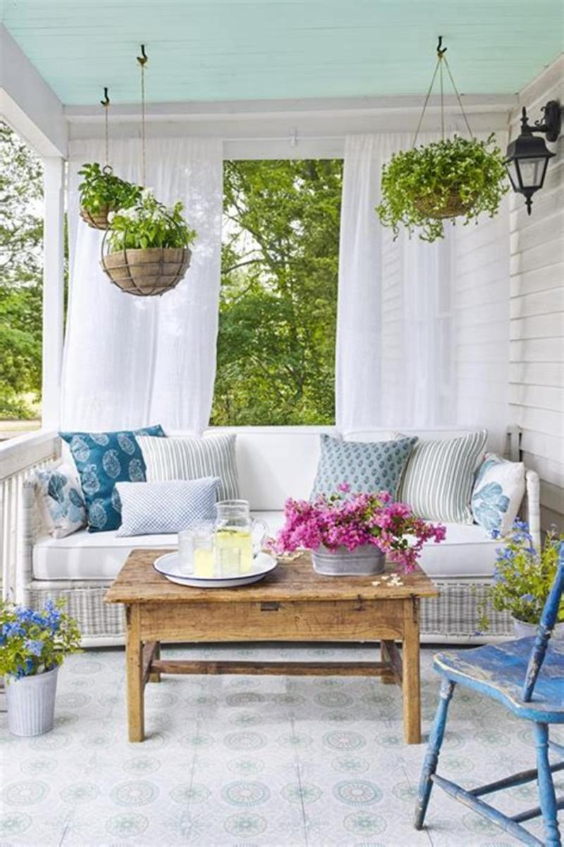 40 Beautiful Spring Front Porch Decorating Ideas You Will Love 31