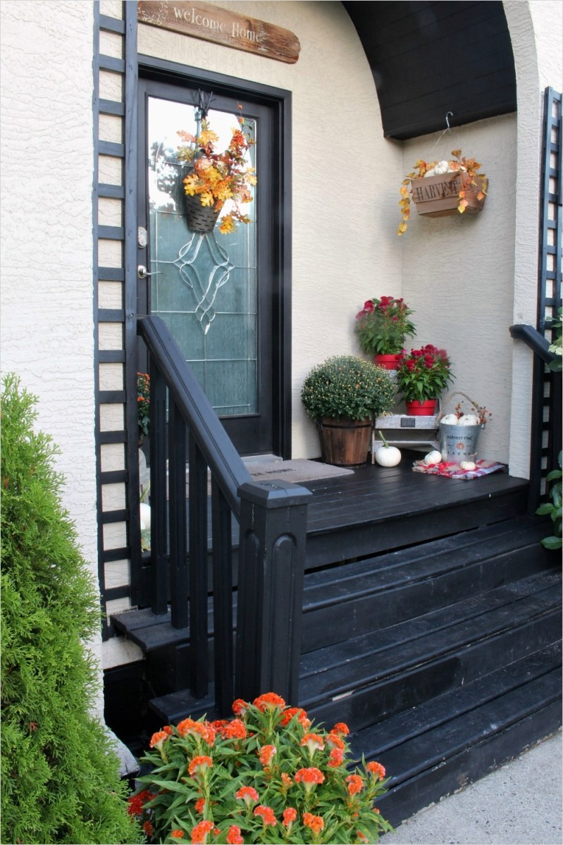 35 Stunning Little Porch Decorating Ideas for 2020 93