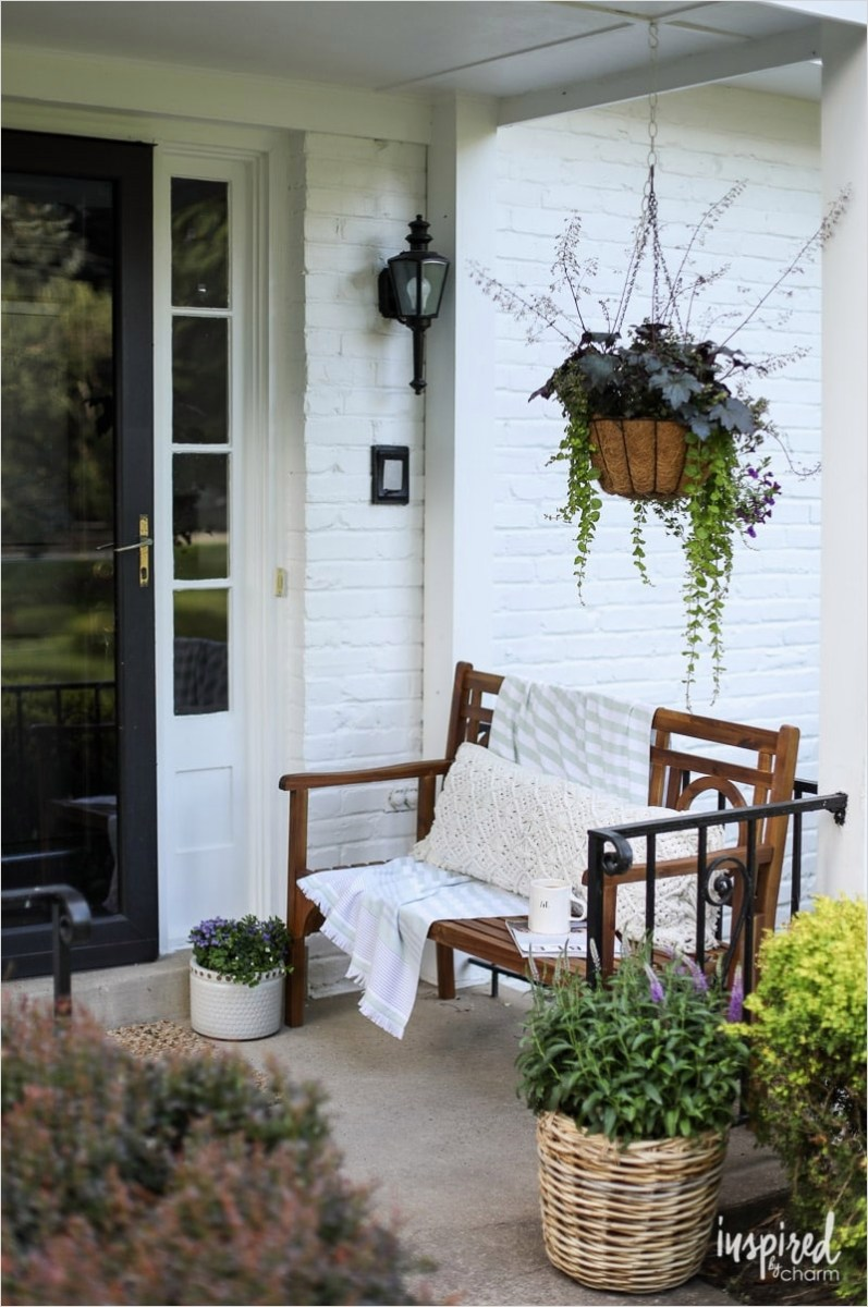 35 Stunning Little Porch Decorating Ideas for 2020 38