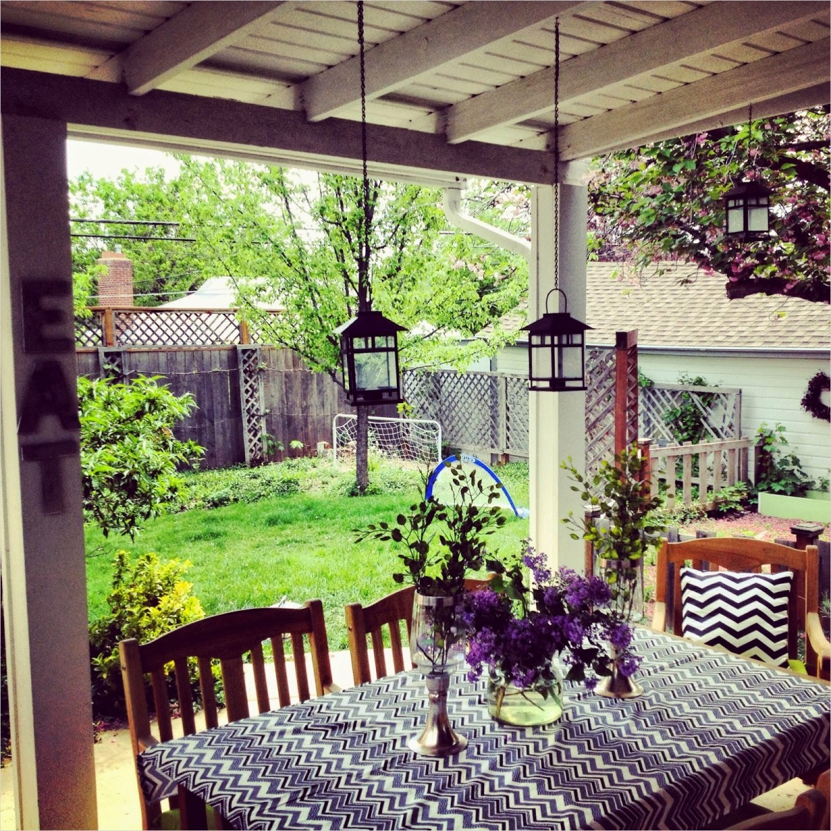 35 Stunning Little Porch Decorating Ideas for 2020 99