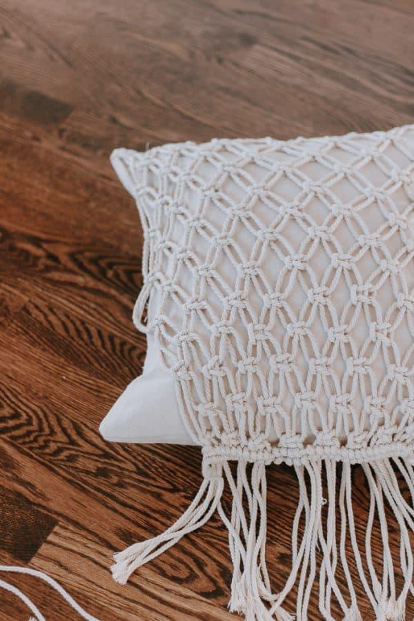 diy macrame pillow decor hint