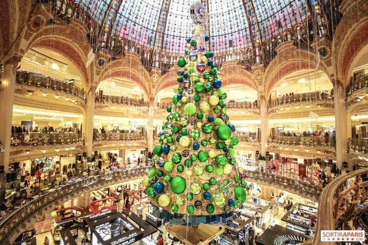 Christmas Tree In The Galeries Lafayette Haussmann, Paris, France