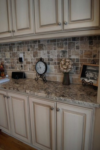 Backsplash Ideas For Cream Kitchen Cabinets (1)