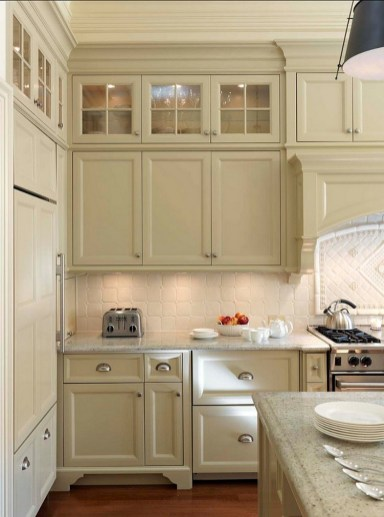 Cream Kitchen Cabinets With White Subway Tile Decor Ideas