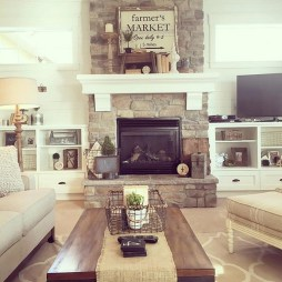 Gorgeous Farmhouse Living Room Decor Ideas And Designs (59)